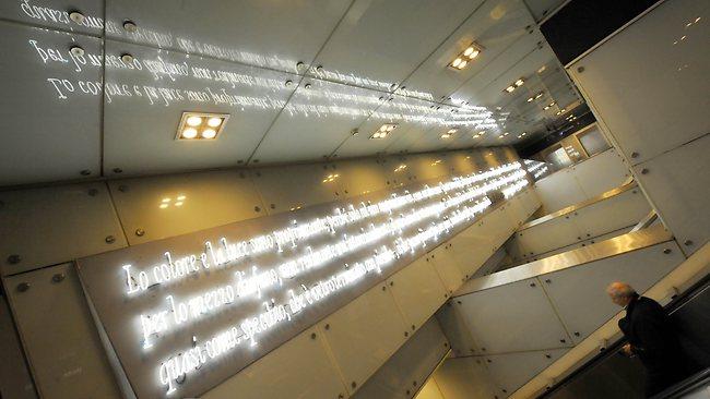 449702-italy-subway-art