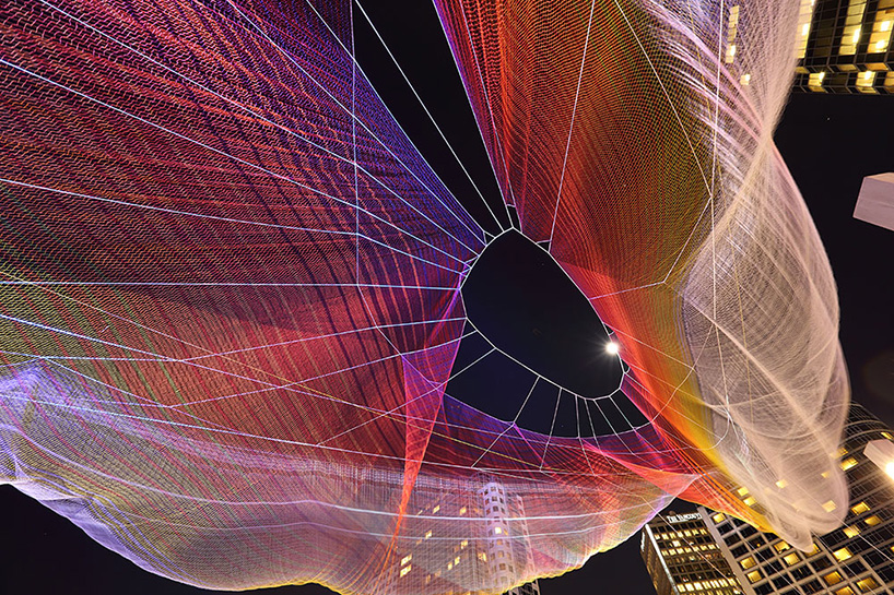 janet-echelman-and-google-weave-an-interactive-sculpture-in-the-sky-designboom-041